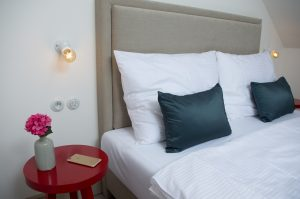 Small single bed room